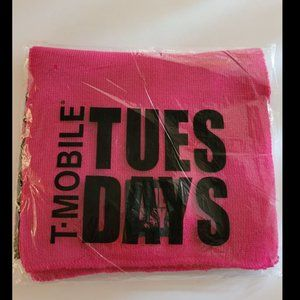 T-MOBILE TUESDAYS Limited Edition Knit Scarf